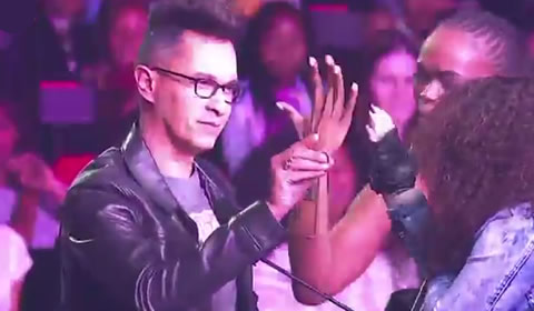 Judge Randall Abrahams Gives Thando Mngomezulu Ring Idols SA 2018 Season 14