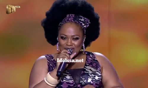 Bongi Mntambo performing 'Ngiyak'thanda' by Zandie Khumalo
