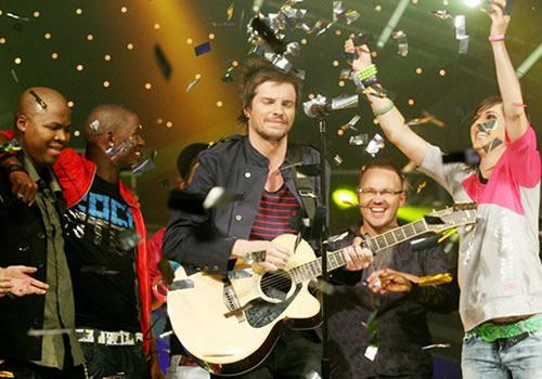 Elvis Blue, Idols SA season 6 winner performing at the Grand Finale