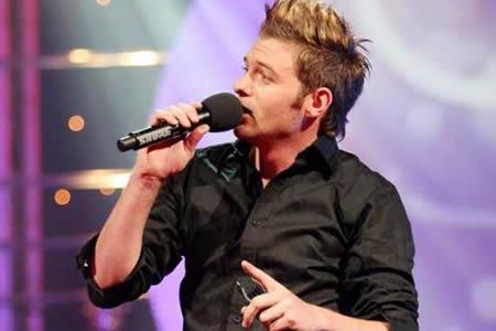 Graeme Watkins performing at the Idols SA season 5 Top 3 Live Show