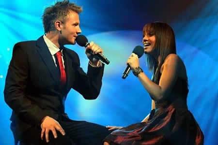 Jason Hartman and Sasha-Lee Davids performing a duet at the Idols SA season 5 Grand Finale