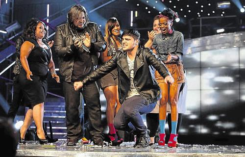 Idols SA Season 7 Winner Dave van Vuuren being applauded by his fellow contestants