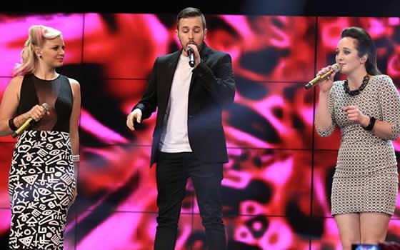 Idols SA in-house Mentor, RJ Benjamin performing at the Season 10 Grand Finale